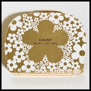 Marc Jacobs Daisy Hard Shell Cosmetic Case